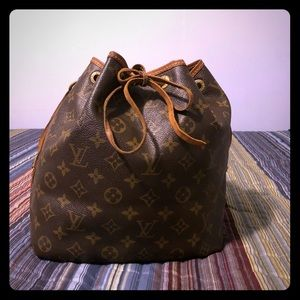 Handbags - Vintage Louis Vuitton Petit Noe